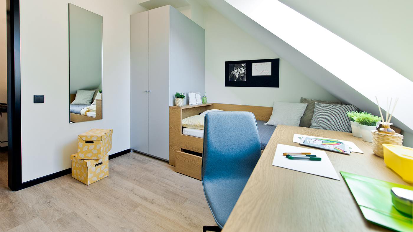 YOUNIQ-gdanks-small-room_2-beds_3